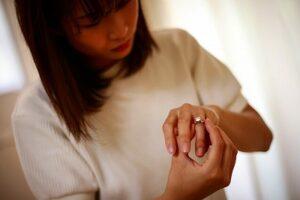 婚約破棄されたら指輪は返す